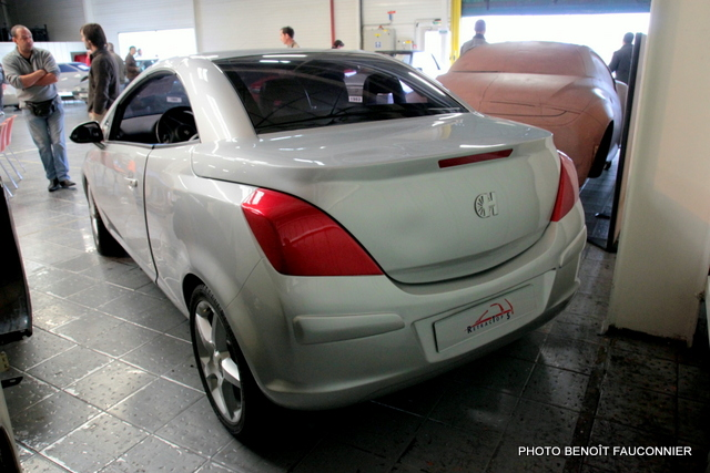 Vente aux enchères Heuliez le 7 octobre 2012 à Cerizay - Opel Tigra TwinTop II