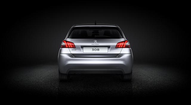 Peugeot 308 (2)