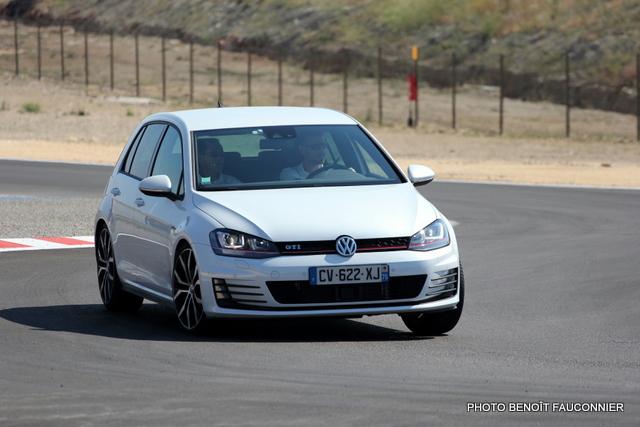 Volkswagen Golf GTI (3)