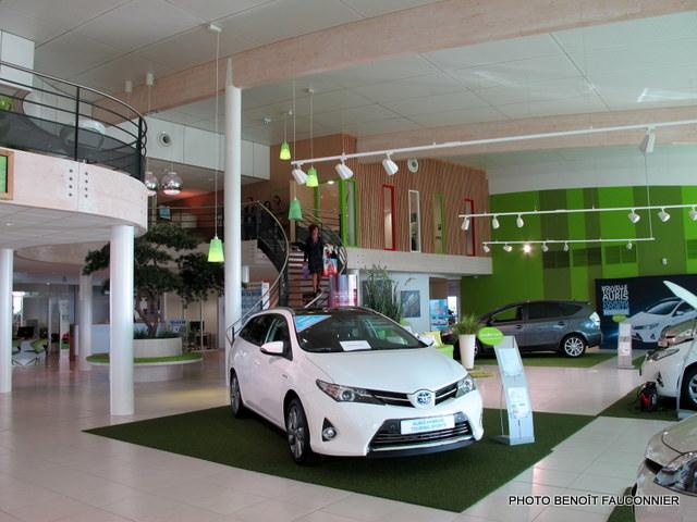 Eco-concession Toyota Lexus La Rochelle (11)