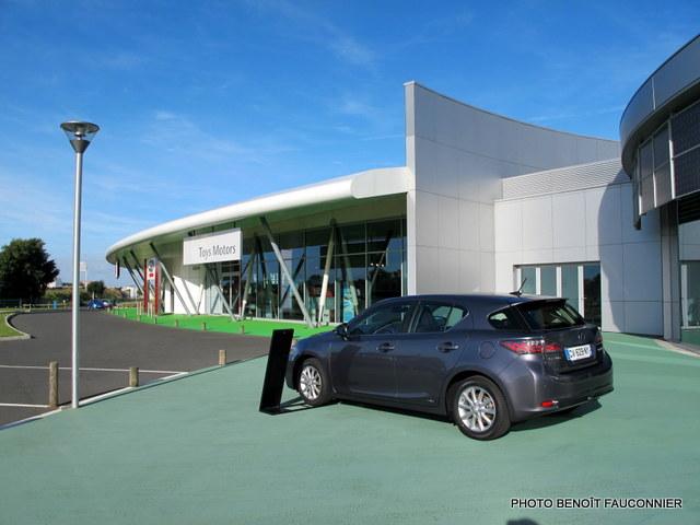 Eco-concession Toyota Lexus La Rochelle (12)