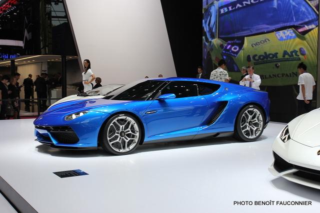 Mondial de l'Automobile 2014 Lamborghini Asterion (2)