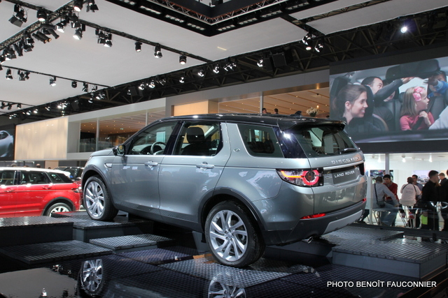 Mondial de l'Automobile 2014 Land Rover Discovery Sport (1)