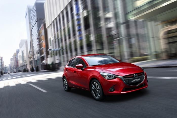 Mazda 2 (2)