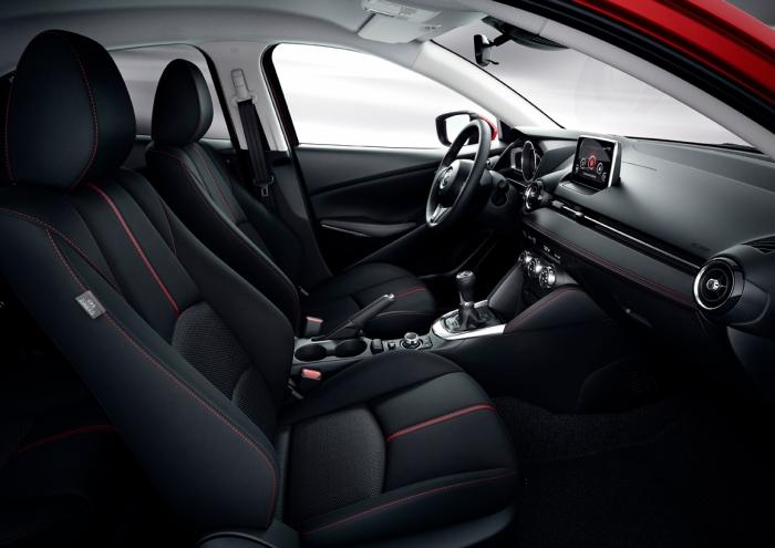 Mazda 2 (6)