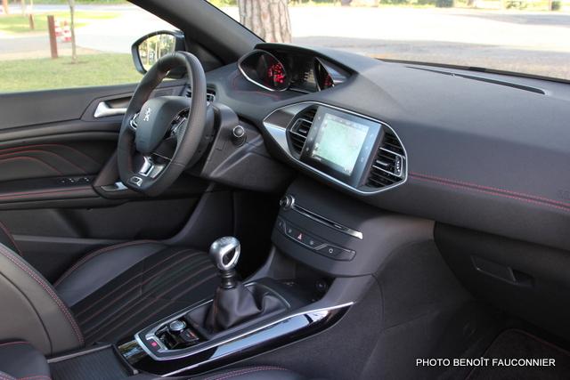 Peugeot 308 GT (12)