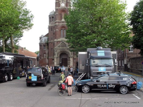 Jaguar XF Sportbrake Team Sky (20)