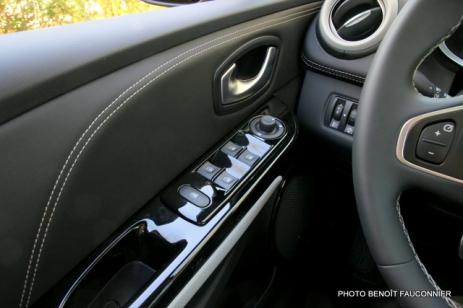 Renault Clio Initiale (10)