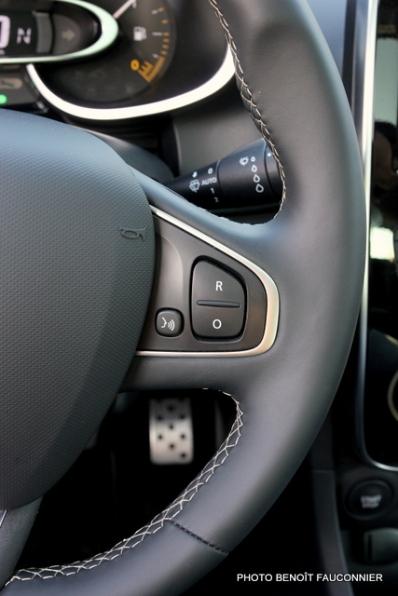 Renault Clio Initiale (11)