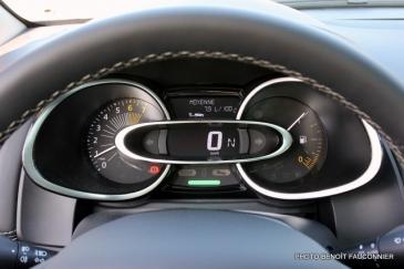 Renault Clio Initiale (13)