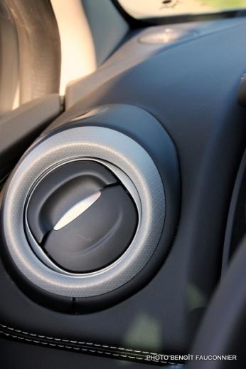 Renault Clio Initiale (16)