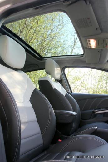 Renault Clio Initiale (2)