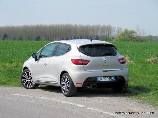 Renault Clio Initiale (23)