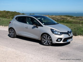 Renault Clio Initiale (41)