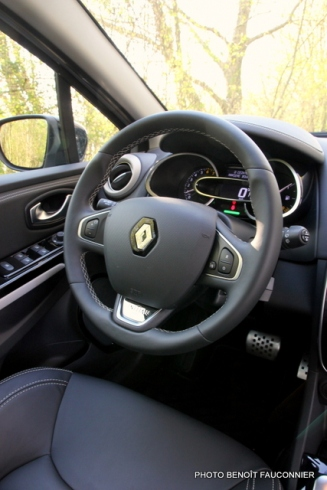 Renault Clio Initiale (6)