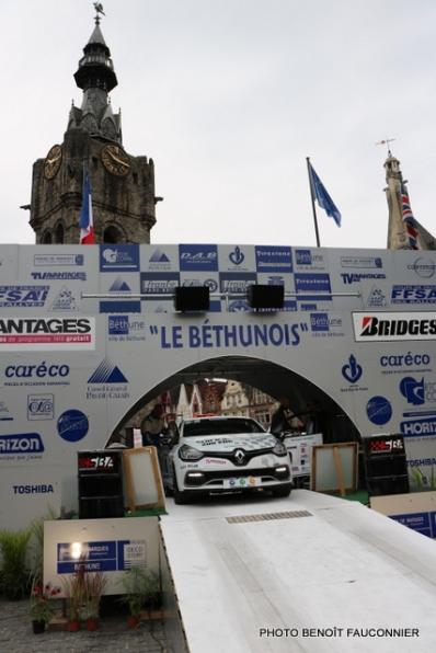 Départ 1e boucle rallye Le Béthunois 2015 (1)