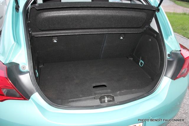 Opel Corsa 1.0 115 Ecotec Cosmo (13)
