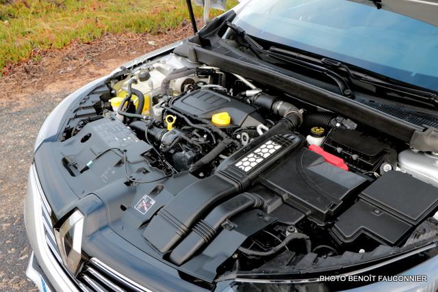 Renault Mégane 1.6 dCi 130 Intens (13)