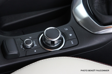 Mazda 2 1.5 115 Sélection (29)