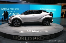 Salon de Genève 2016 - Toyota C-HR (3)