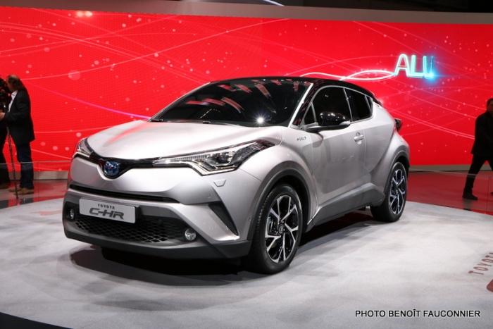 Salon de Genève 2016 - Toyota C-HR (4)