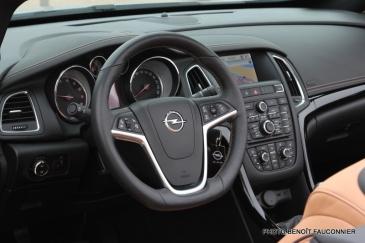 Opel Cascada (10)