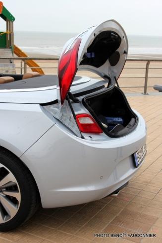 Opel Cascada (11)