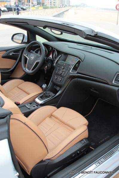Opel Cascada (14)
