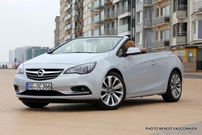Opel Cascada (18)